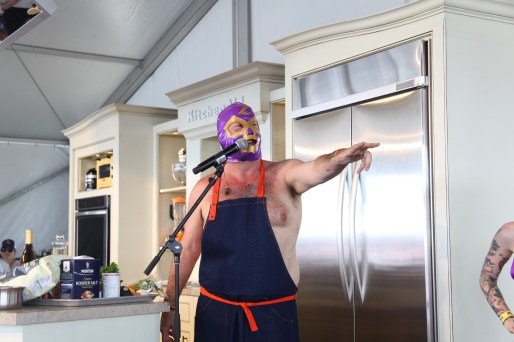 Andrew Zimmern stirs in more trash talk!