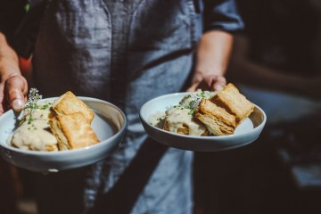 Eberly Nat's Biscuits and Gravy