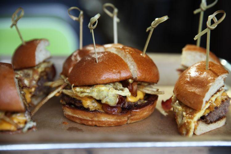 hopdoddy breakfast burger