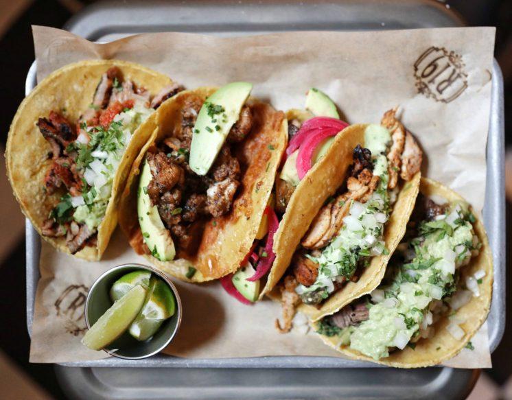 Reunion 19 tacos