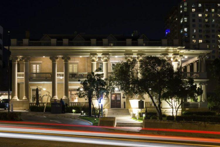Hotel Ella