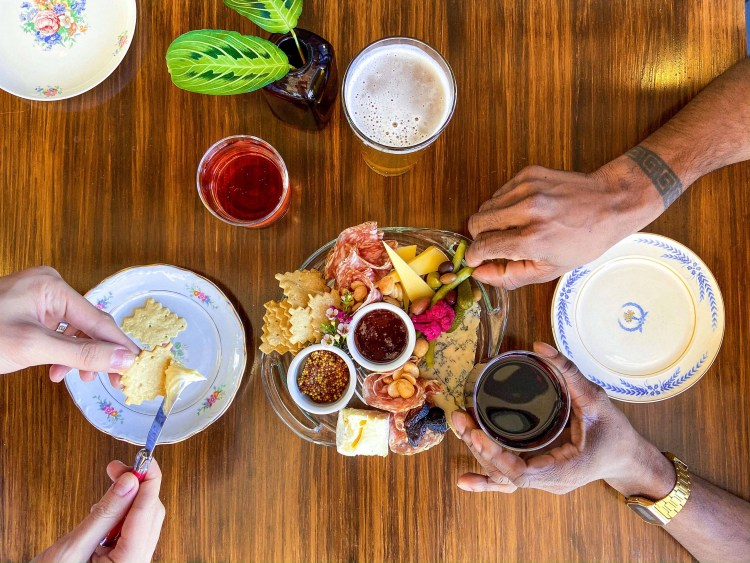 SPREAD & CO HAPPY HOUR