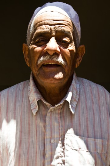 now THAT is a face with character... an elderly Ajdabiya resident.