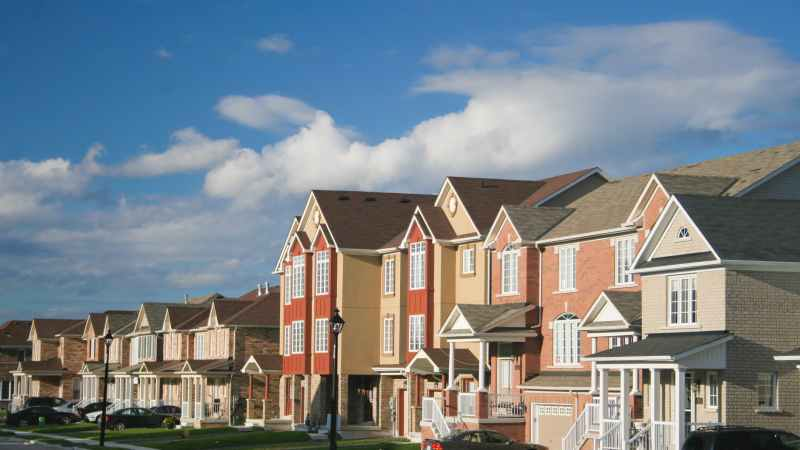 4 Reasons to Buy a Townhome