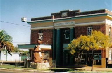 charleville town hall austracks kangaroo hat complete