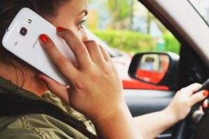澳洲過馬路開車使用手機罰款 • 澳洲留學網 - 傑瑞斯留學代辦