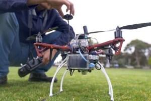 蒙納許大學工程師改良無人機灌溉技術,幫助農民度過旱災