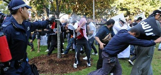 Police spray Islamists