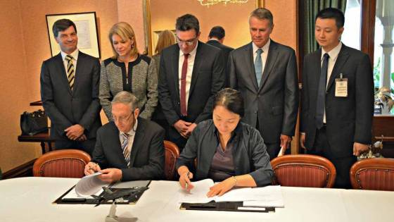 Andrew Stoner betrays Australia to the Chinese