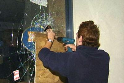 Cronulla shopfronts smashed by Lebanese gangs