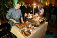 Unser Koch Daniel Lüty bereitet australisches Lamm und Rindfleisch vor