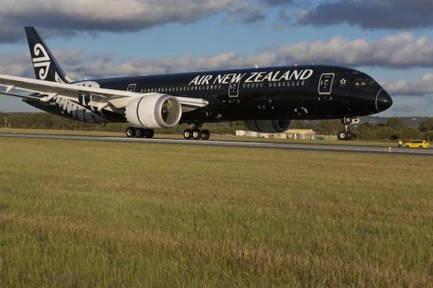 Air NZ 787-9 NZ-ZZE at Perth Airport. (Air New Zealand)