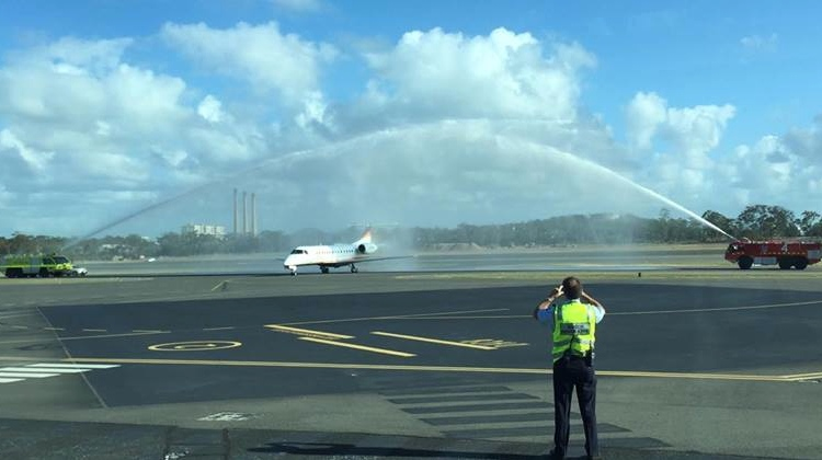 Jetgo's first RPT flight flown by an Embraer ERJ 135, lands at Gladstone Airport. (Gladstone Mayor Gail Sellers/Facebook)