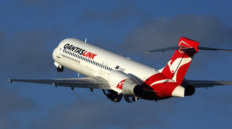 cobham gets 10 year a 1 2 billion contract extension for qantaslink