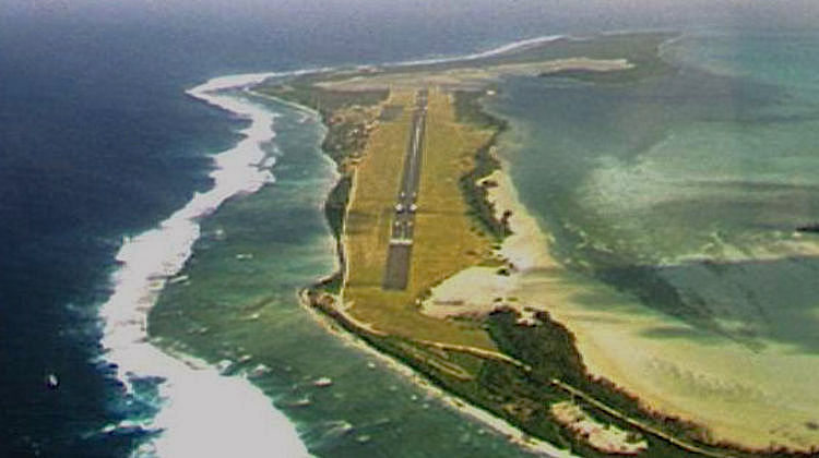 An aerial image of Cocos (Keeling) Islands Airport. (PalawanOz/Wikimedia Commons)