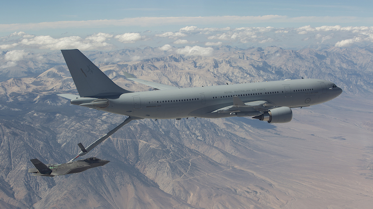 KC-30 Tanker Test fuel transfer to F-35A