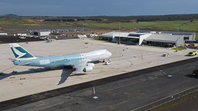 Lenn Bayliss First 747-8 to Wellcamp Airport Monday 23 November 2015 (2)