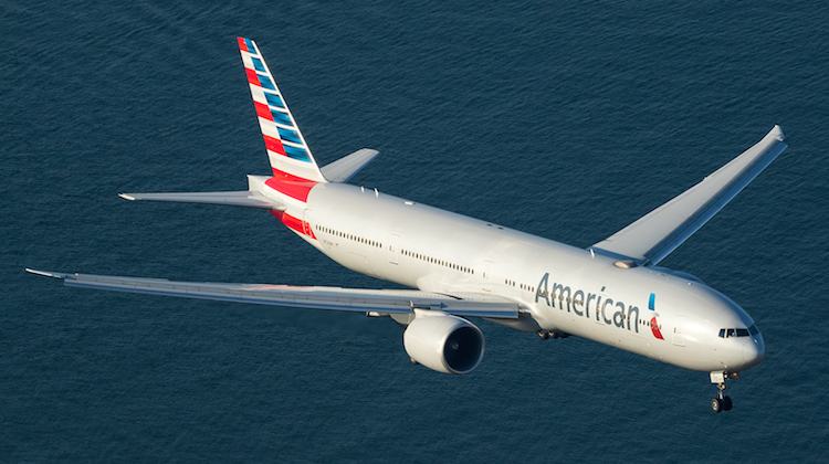 An aerial shot of American Airlines Boeing 777-300ER N720AN on approach to Sydney Airport. (Seth Jaworski)