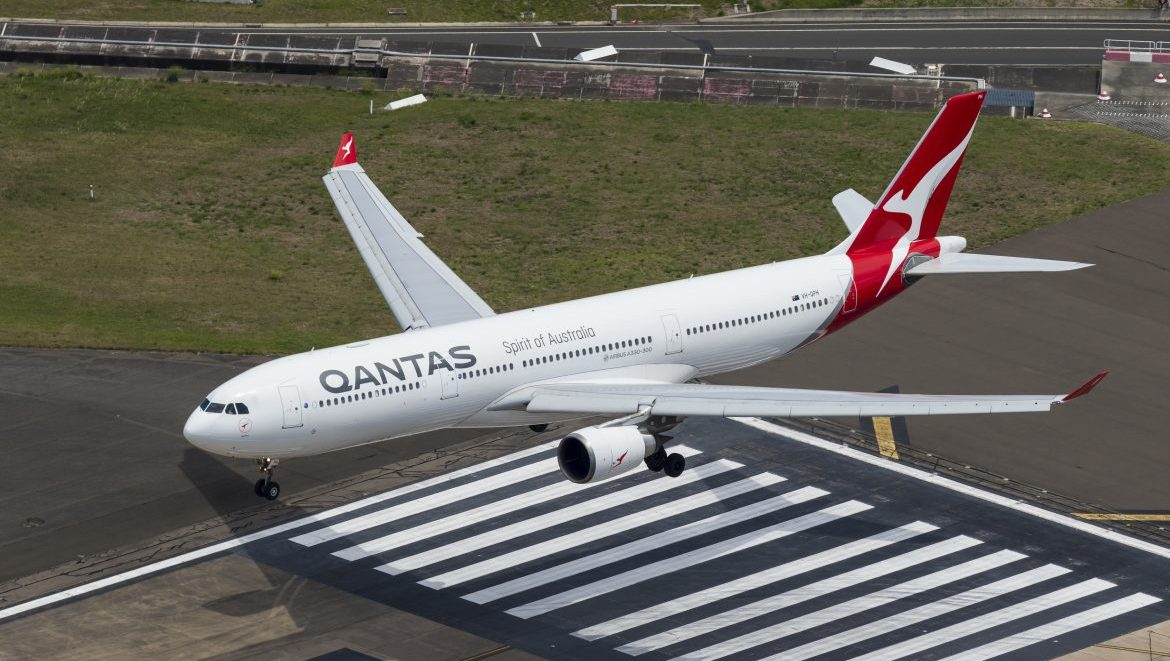 Qantas operates Airbus A330s (seen here), A380s and Boeing 737-800s between Australia and Singapore. (Seth Jaworski)