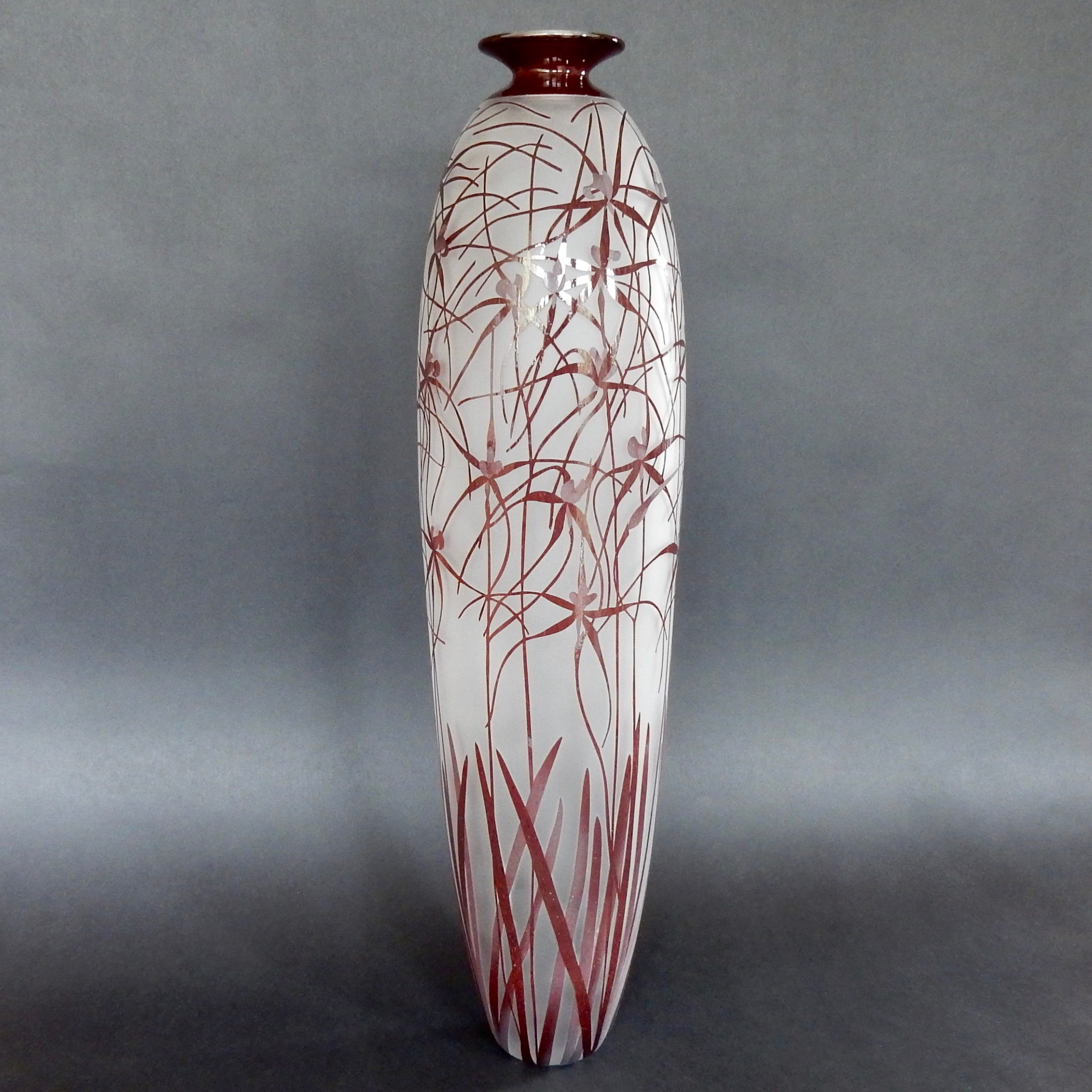 Red spider orchid vase. Caladenia sp. Blown and etched glass by Amanda Louden.