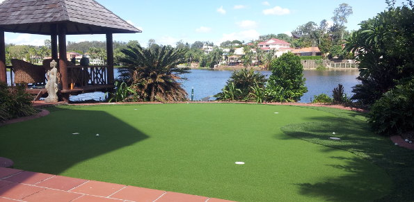 Improving Your Golf Game with a Home Putting Green