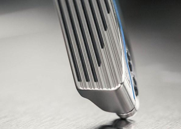 Nike Method Origin Putter grooves