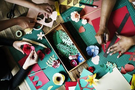 4 Kinds of Art & Craft Projects to Try with the Kids