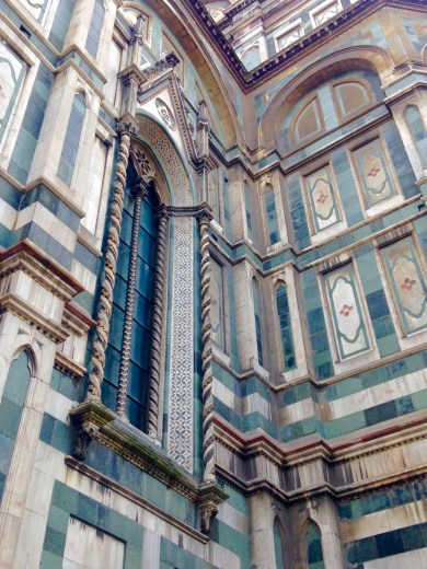 Close-up of the pattern on the Duomo (on the side that has not been recently cleaned)
