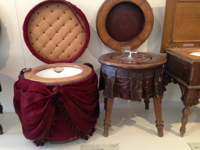 """Portable """"Room Toilets"""" from 1840 in the Museum"""