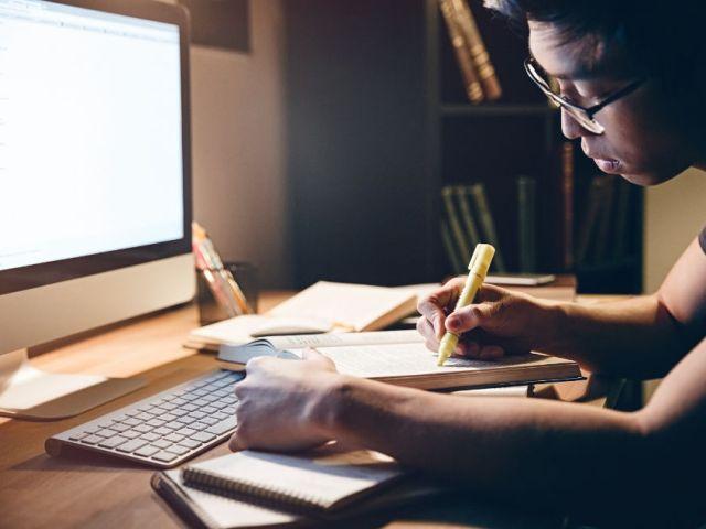 8 dicas de organização para estudar com aulas online - Autenticus Educa