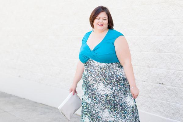 Plus size fashion blogger Authentically Emmie in a maxi from IGIGI