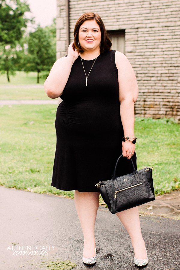 A great summertime (or anytime) plus size little black dress on Louisville blogger Authentically Emmie. #plussize #ootd #xoq
