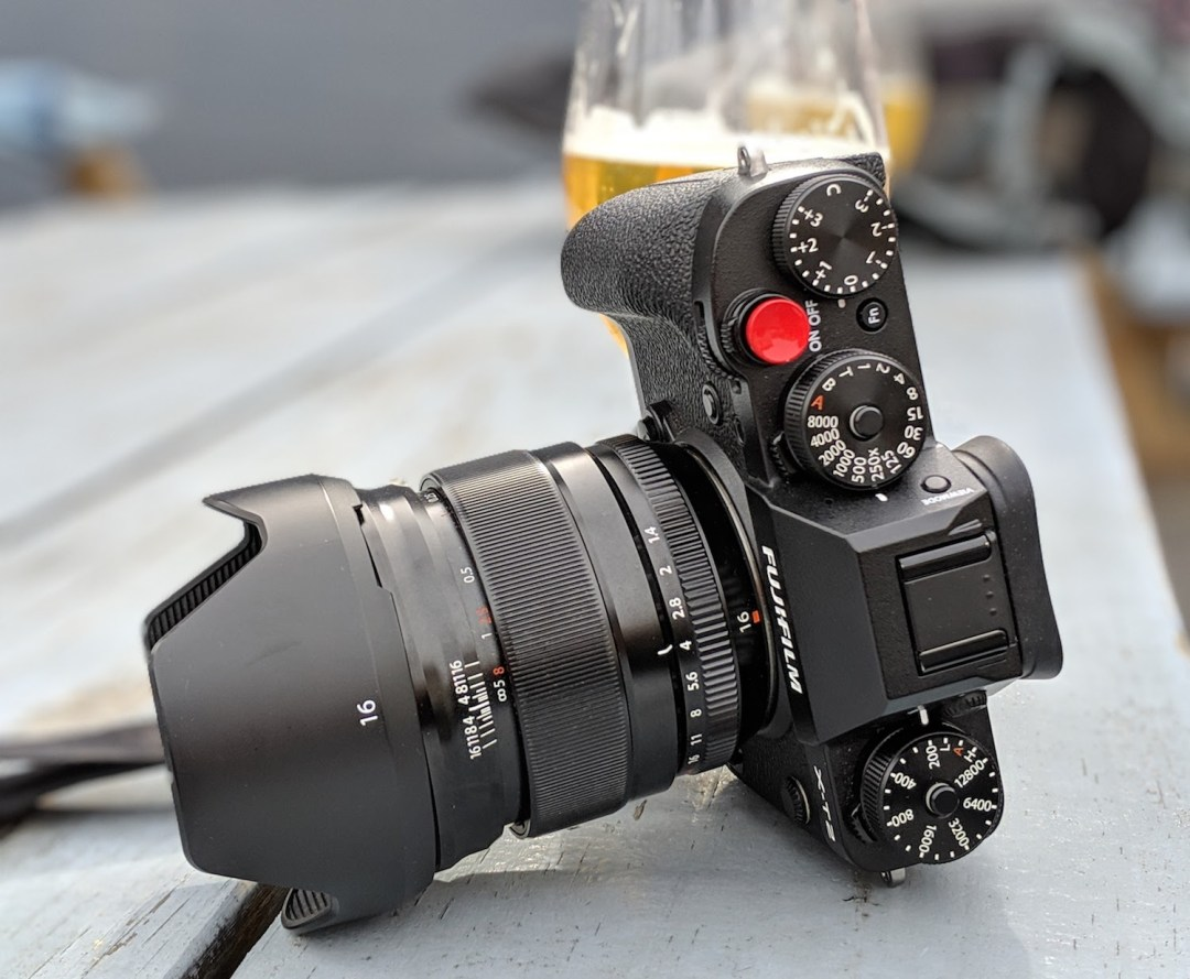 photo of a fuji xt2 camera with a 16 mm lens in Asheville, NC