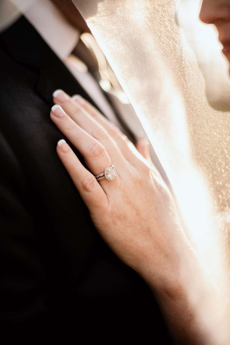 Detailed ring shot with veil