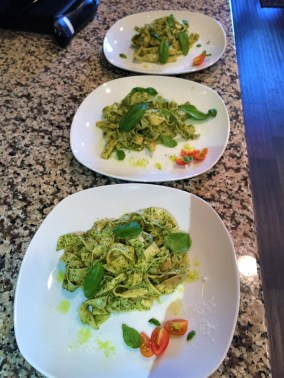 finished-homemade-pesto-pasta