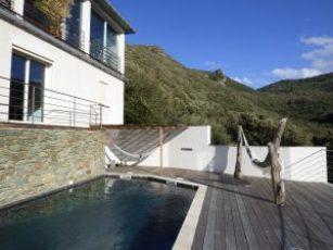 Superbe villa contemporaine avec piscine et le maquis