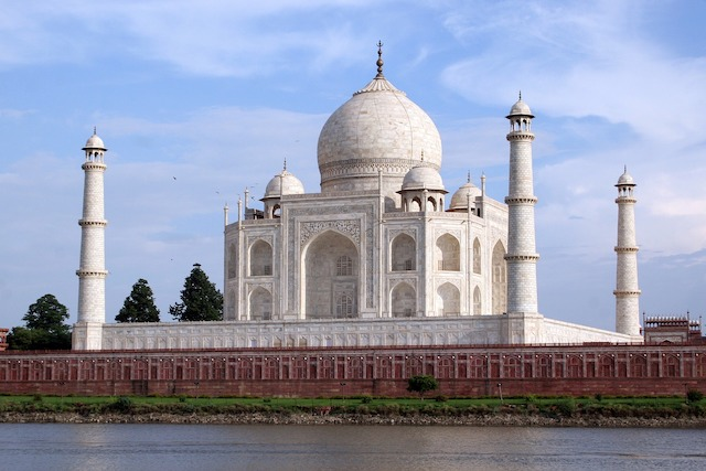 Beautiful View of Taj Mahal viewed from Yamuna