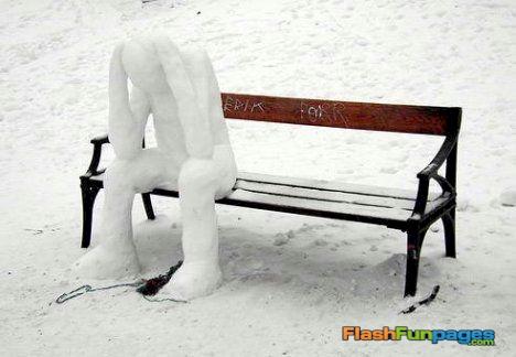 funny-snowman-park-bench