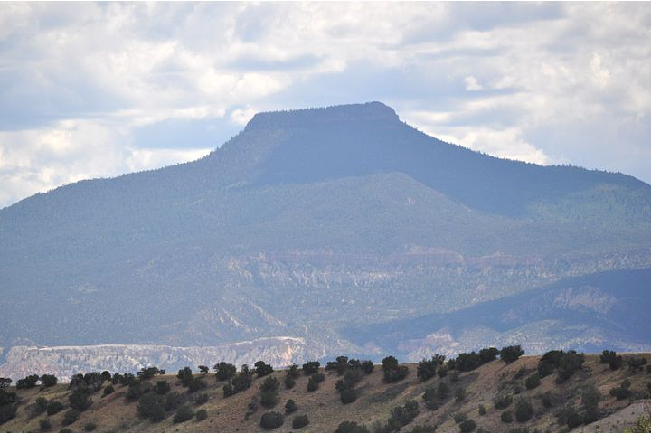 The mountain in Abiquiu that inspired Georgia O'Keefe © Author Adventures