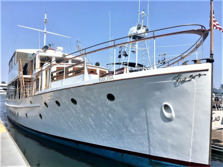 Electra yacht