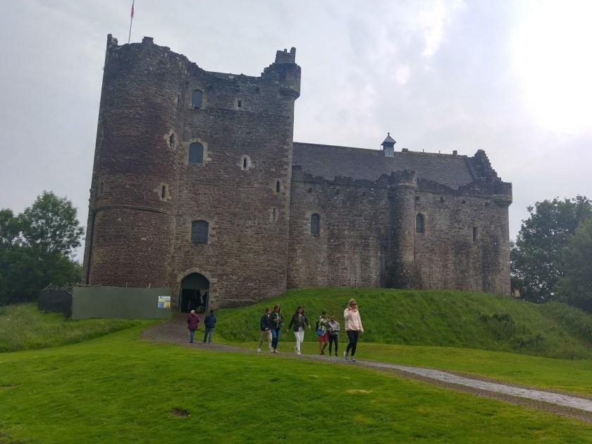 Photo of Doune Castle from approach