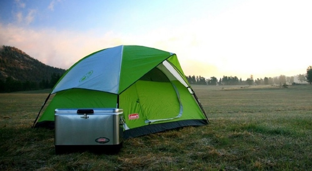 The c& is made for four people and is made in USA. Other features of the c& are listed below : sundome 4 tent - memphite.com