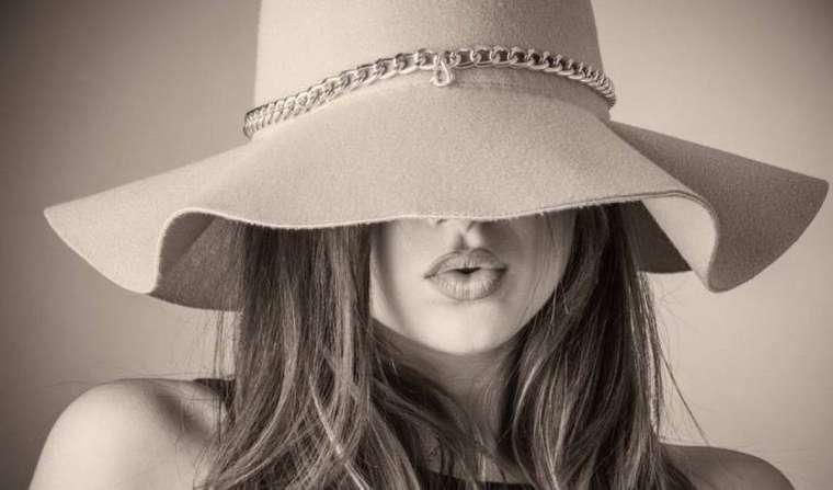 This is Your Quest Author Joanne Reed The art of wearing hats. the best hat for keeping cool