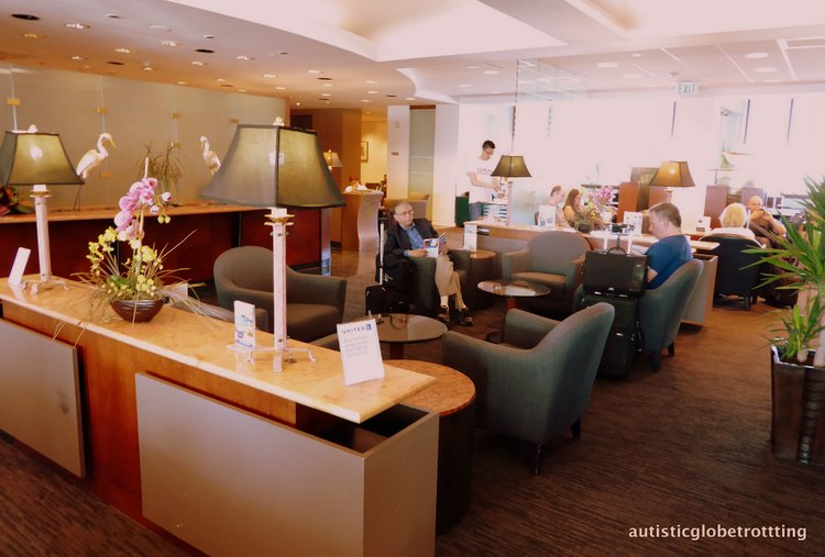 Is United MCO Red Carpet Lounge Family-Friendly mco seating at lounge