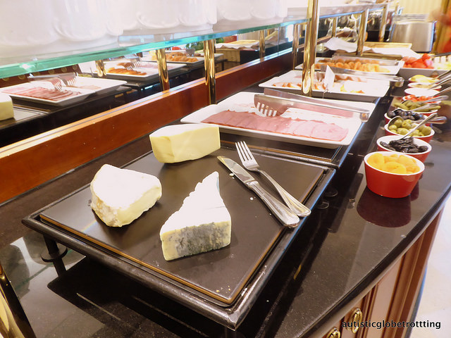 Review of The JW Marriott Bucharest Executive Lounge cheese