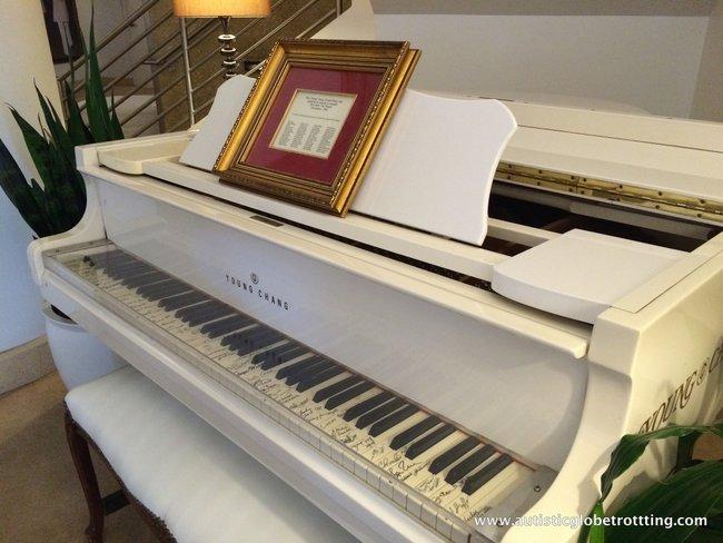 Orlando Hard Rock Café's Behind the Scenes Tour piano