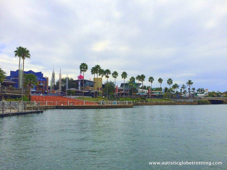 5 Fun Universal Studios CityWalk Restaurants for Families lake