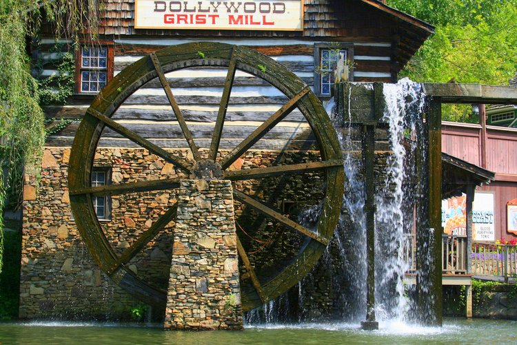 Best Thanksgiving Destinations for autism dollywood mill