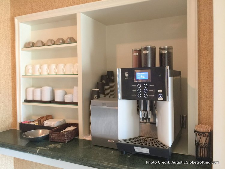 The Ritz-Carlton Orlando Grande Lakes Executive Lounge drinks