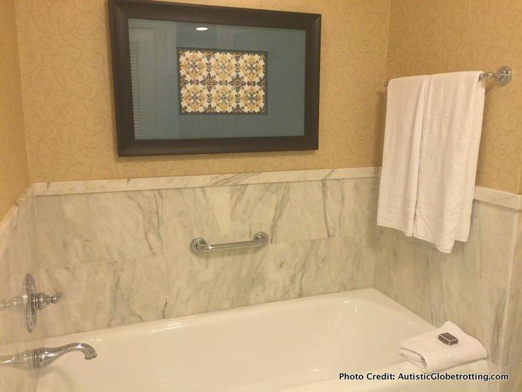 The Ritz-Carlton Orlando Grande Lakes tub
